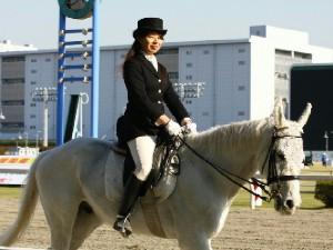 川崎競馬の誘導馬 4月開催 コスプレ無しVer 5