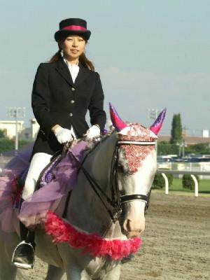 川崎競馬の誘導馬 9月開催 シロくん 4